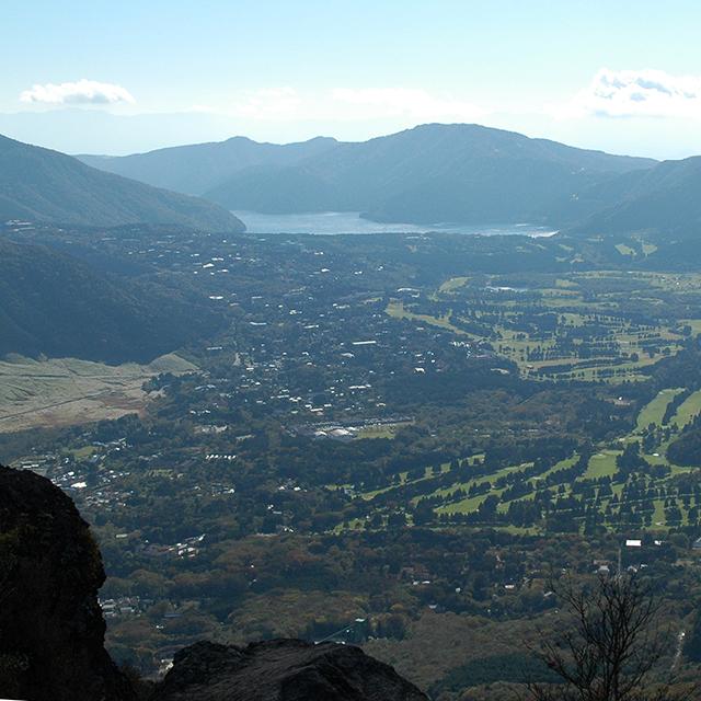 金時山山頂、芦ノ湖、仙石原を一望する箱根の良さを集めた写真