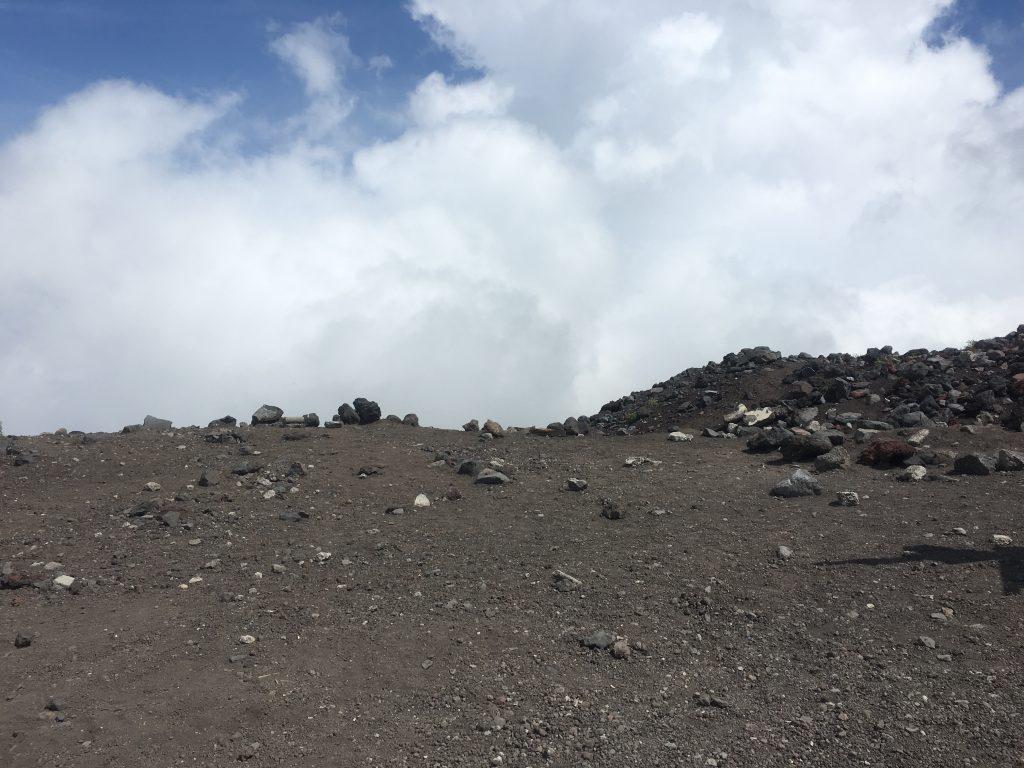 富士山空と大地の境目